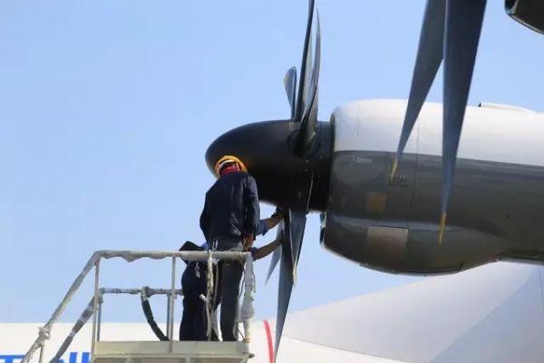 ag600水陆两栖飞机四台发动机首次试车成功